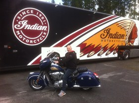 Ove Eilertsen testkjører en 2014 Indian Chieftain